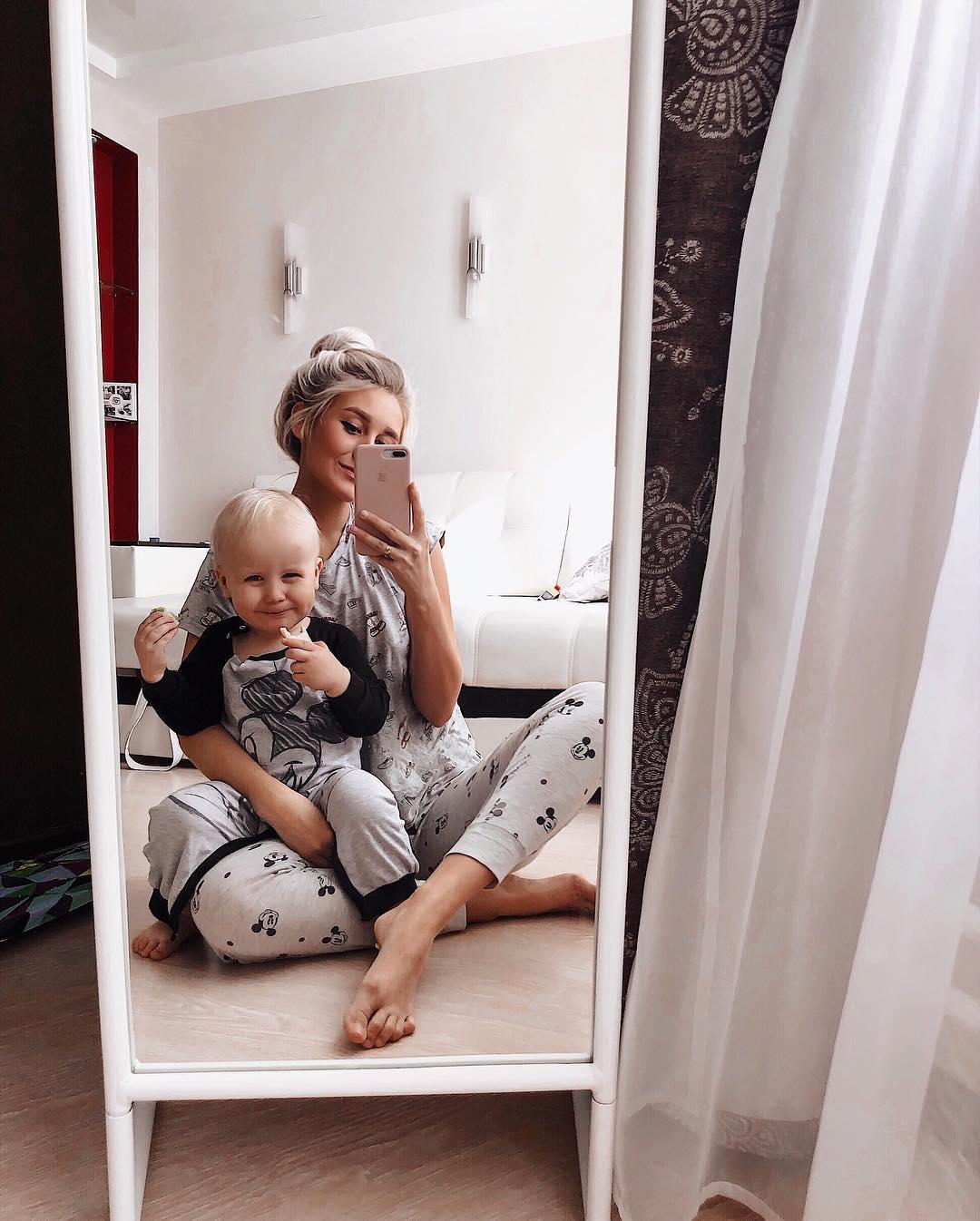 Сейчас Лиза не работает, занимается воспитанием ребёнка, хочет освоить фотографию