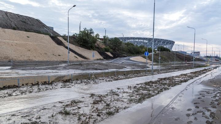 В Волгограде ушел под воду еще один участок Нулевой Продольной