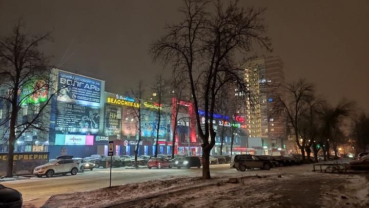 Наконец-то снег! 12 кадров по-зимнему предновогоднего вечера в Нижнем Новгороде