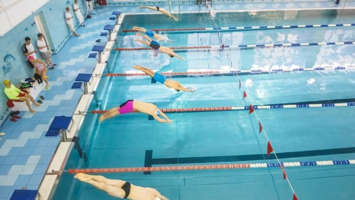 В поселке Управленческий детям разрешат плавать в бассейне при школе №127