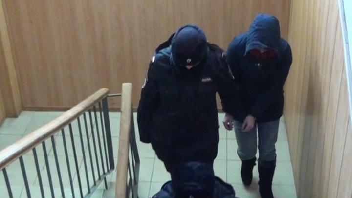 В Ярославле состоится суд над 17-летней матерью, заморившей голодом сына. Снова