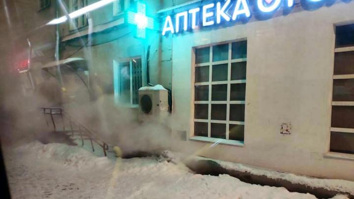 «Похоже на то, что было в хостеле»: в Перми подвал жилого дома затопило кипятком