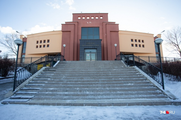Челябинский крематорий — едва ли не самая закрытая организация в нашем городе, мы давно пытались туда попасть