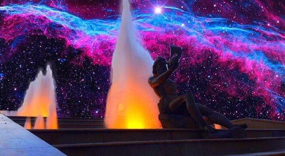 Фотограф делает фотоколлажи с Красноярском в космических реалиях