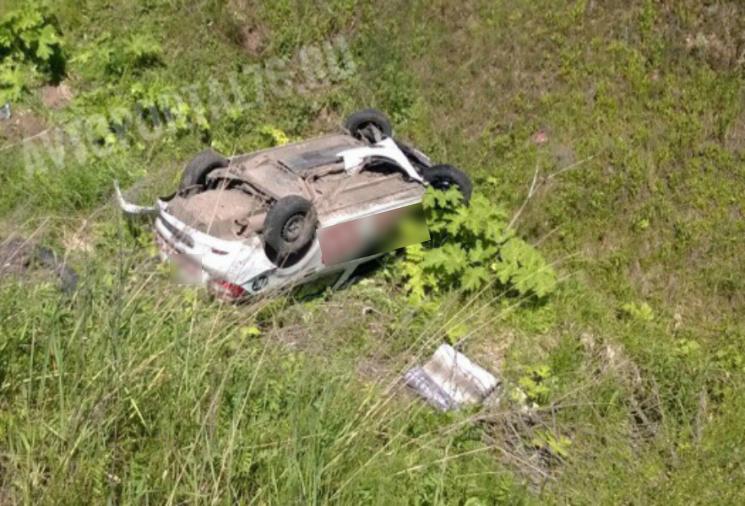 Машина приземлилась на крышу