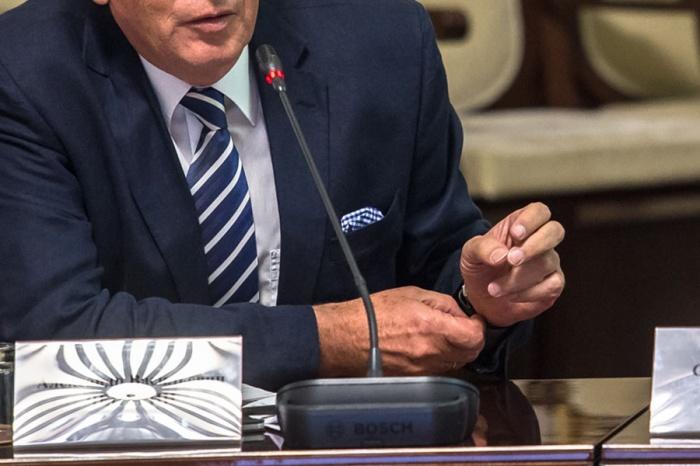Губернаторов увольняют по всей стране вторую неделю