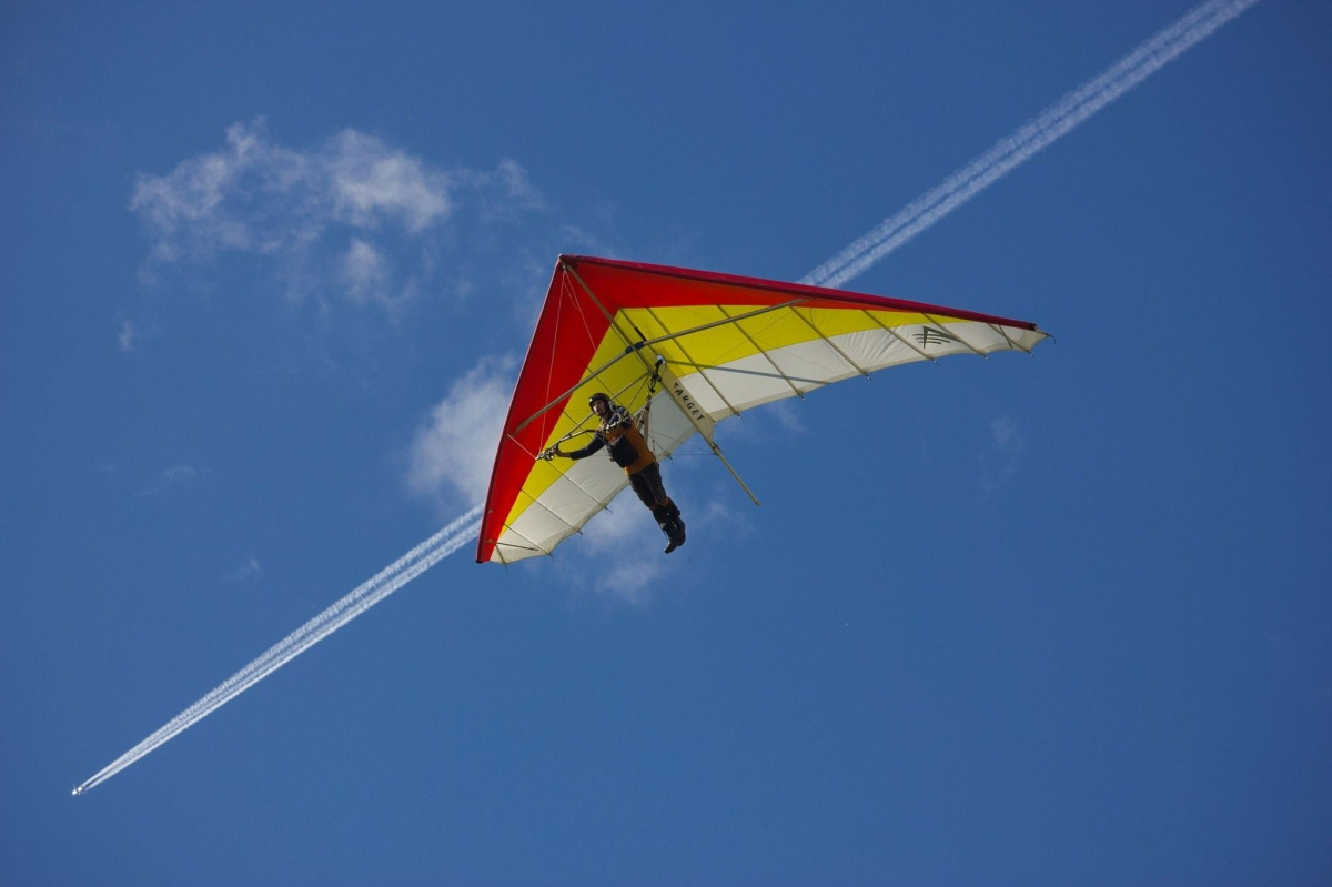 Примеряем скафандры, слушаем IOWA, летаем на шарах и ещё 15 идей для выходных