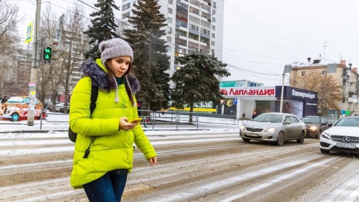 Последствия утреннего снегопада в Челябинске начнут разгребать к обеду