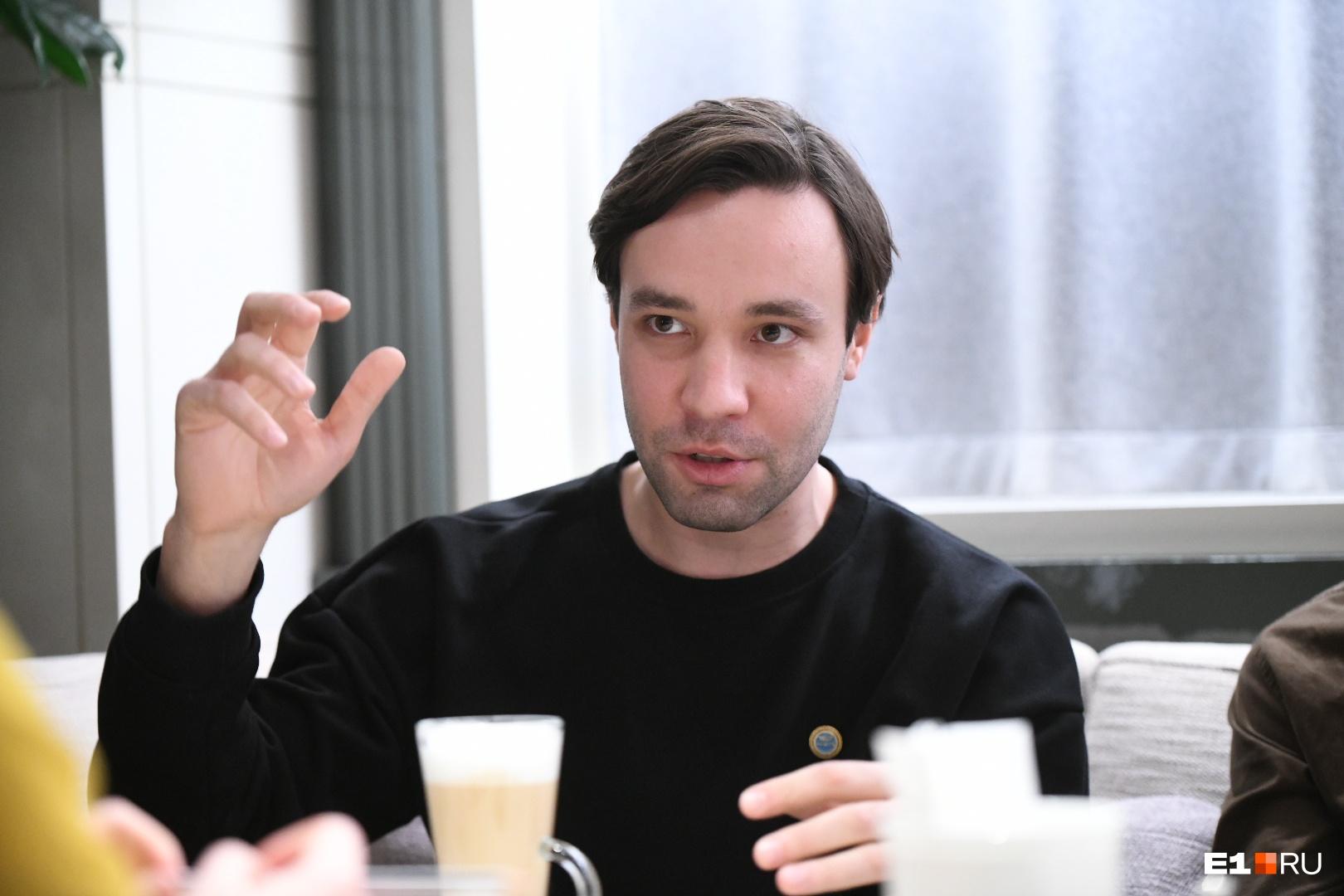 Ярослав Тимофеев — пианист, музыковед,выпускник Московской консерватории имени Чайковского