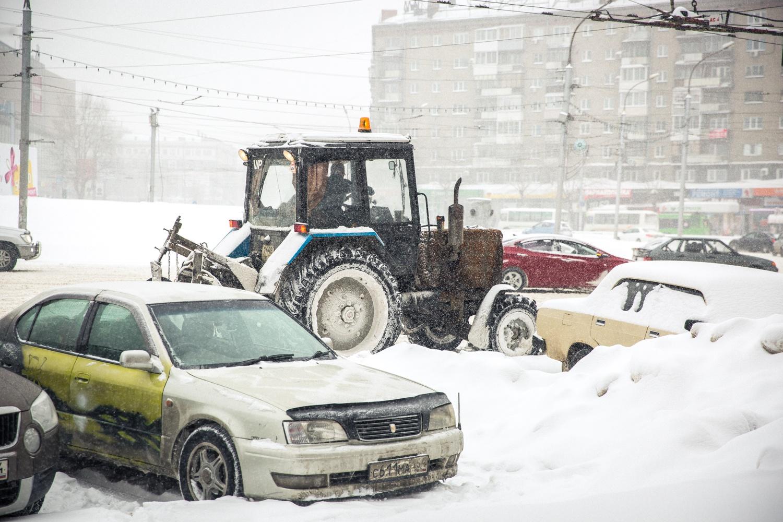 """Городские службы пообещали&nbsp;<a href=""""https://news.ngs.ru/more/65427161/"""" target=""""_blank"""" class=""""_"""">подготовиться к снегопадам</a> и снарядили к зиме 500 спецмашин и тепловое копьё"""