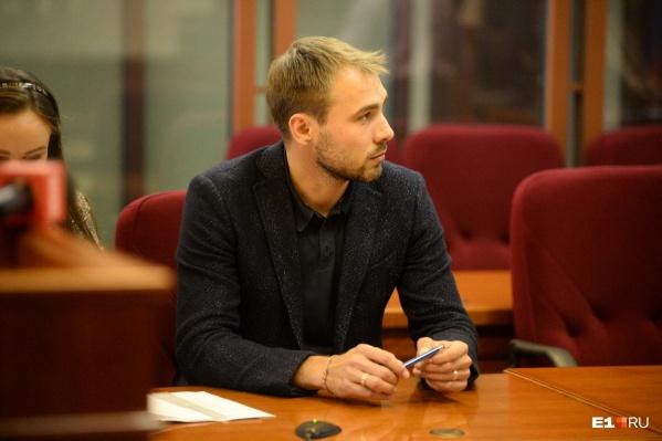 Антон Шипулин в суде, где решалось, допускать его до выборов или нет