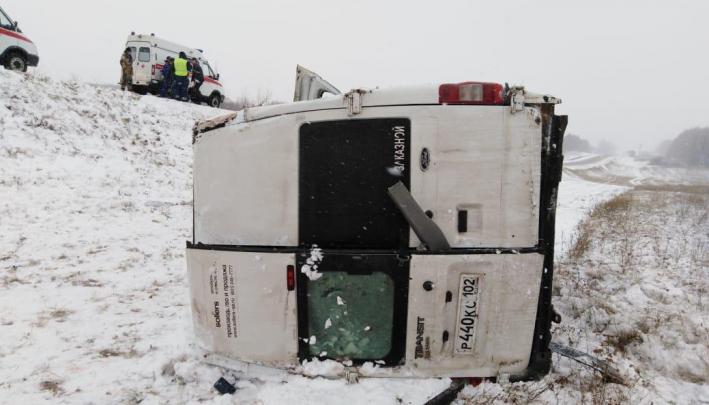 Пассажирам автобуса, который перевернулся на трассе в Башкирии, выплатят до 2 миллионов рублей