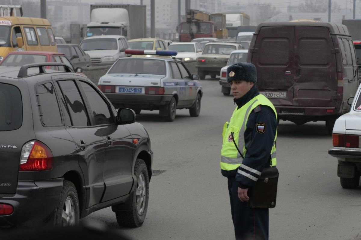 «Приказали всем молчать»: в Челябинске школьница на Mercedes сбила двух …