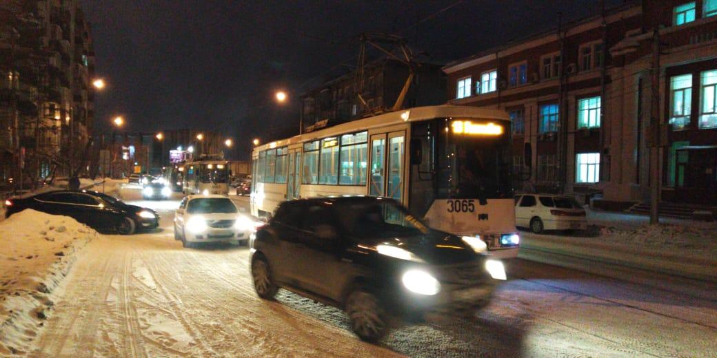 Из трамваев высадили всех пассажиров