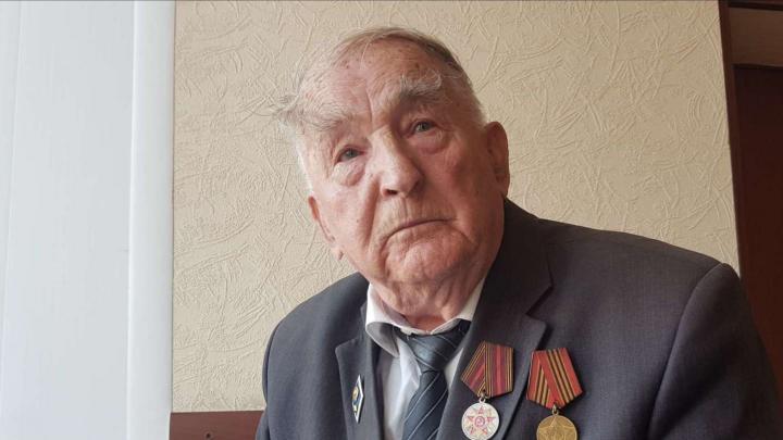 В Башкирии банк снял со счета 90-летнего ветерана все сбережения из-за некролога