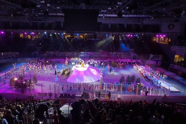 Скандальное шоу состоялось 6 января в ледовой арене «Трактор»
