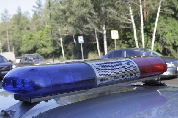 Водителя и ещё двоих пассажиров отправили в больницу