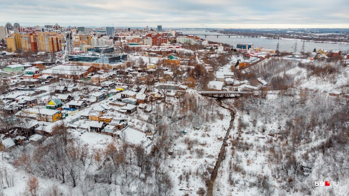 Завод Шпагина и снесенные гаражи: изучаем долину реки Егошихи с высоты