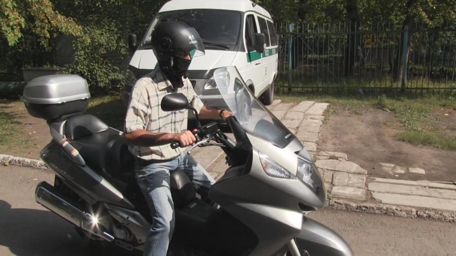 Омский байкер, неплативший алименты, отыскал деньги ради своего мотоцикла