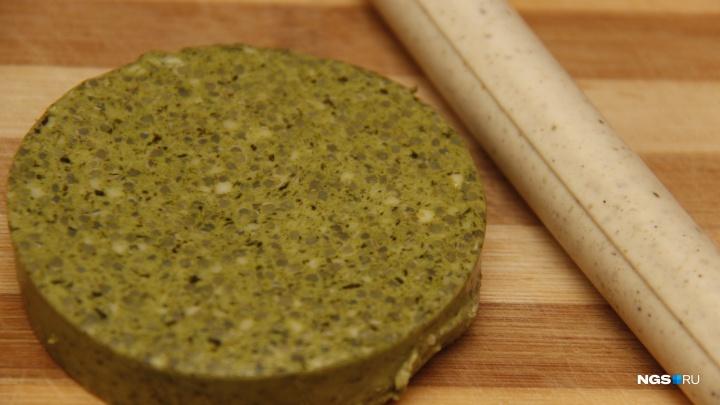 Сыр без молока и сосиски без мяса, которые стоят вдвое дороже настоящих