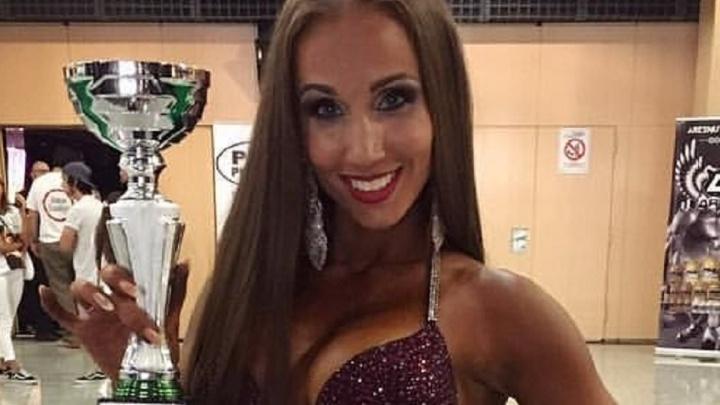 Екатеринбургская мускулистая красотка стала четвёртой на турнире по бодибилдингу в Испании