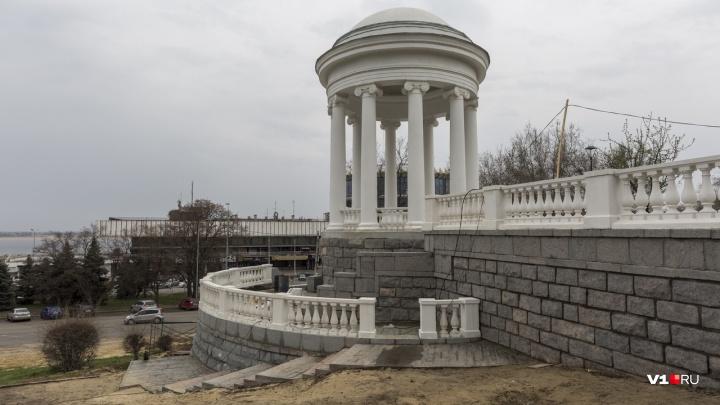 «Перебрали каждый кирпичик»: на набережной Волгограда закончили реставрацию ротонды