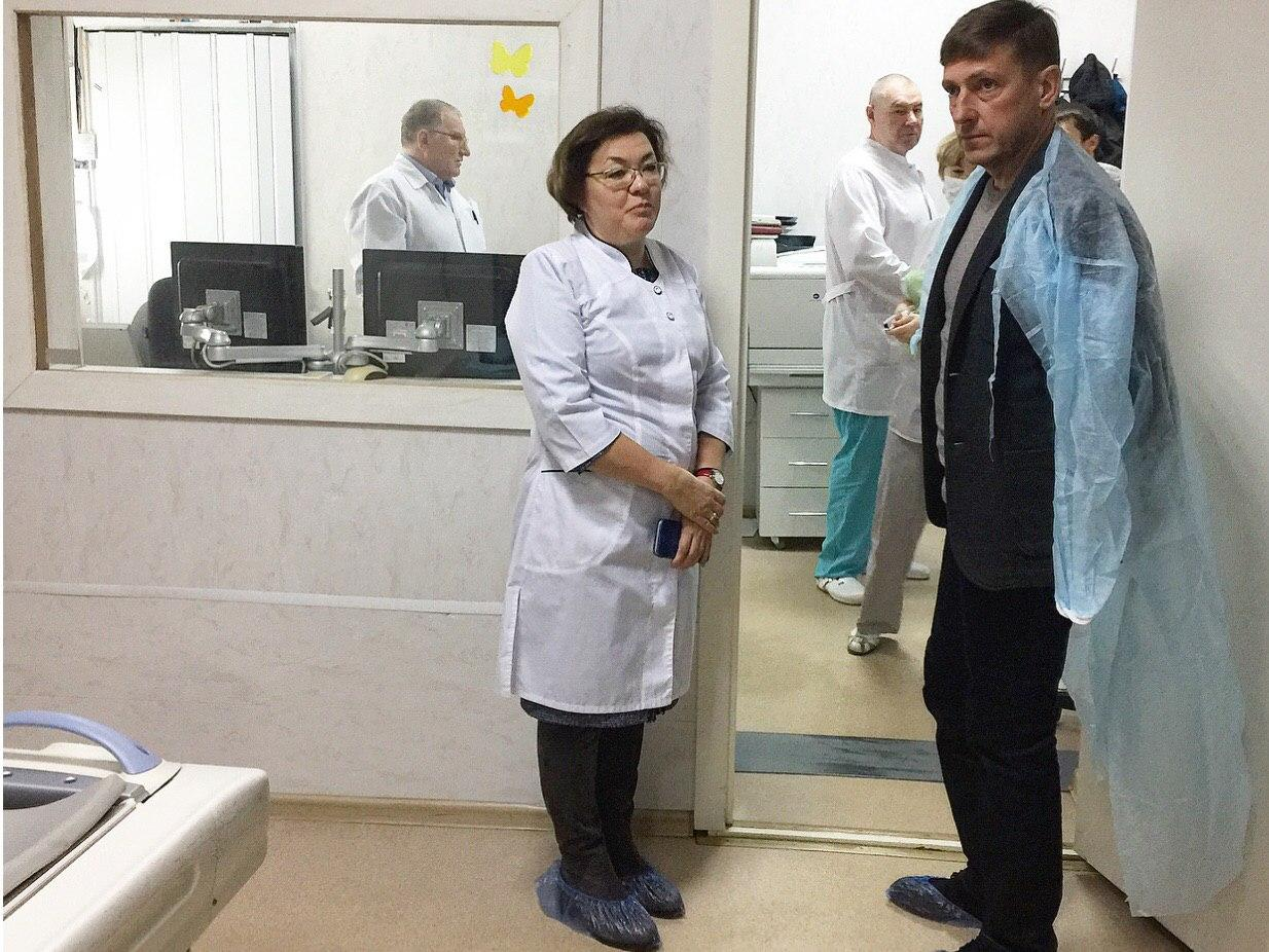 В Минздраве напомнили, что глава ведомства Юрий Семёнов уже был в районной больнице и обсуждал все наболевшие вопросы с врачами