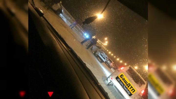 Под Уфой столкнулись пять автомобилей