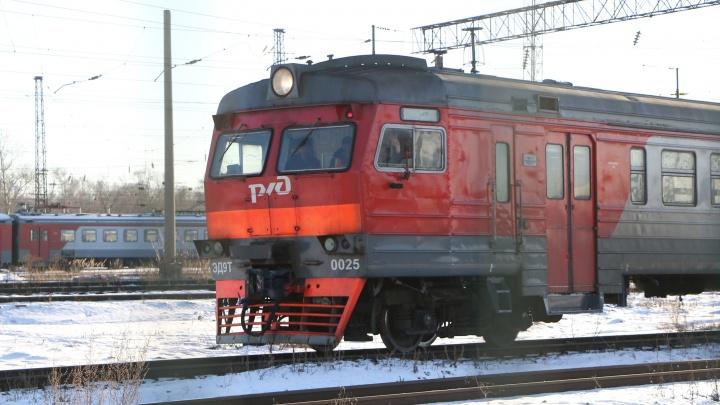 Под Нижним Новгородом поезд насмерть сбил двух человек