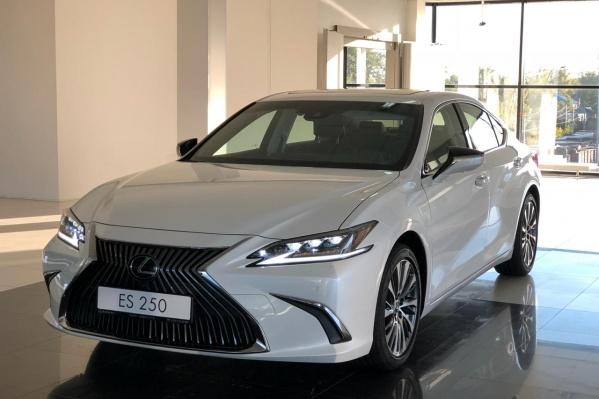 Lexus ES построен на новой платформеTNGA