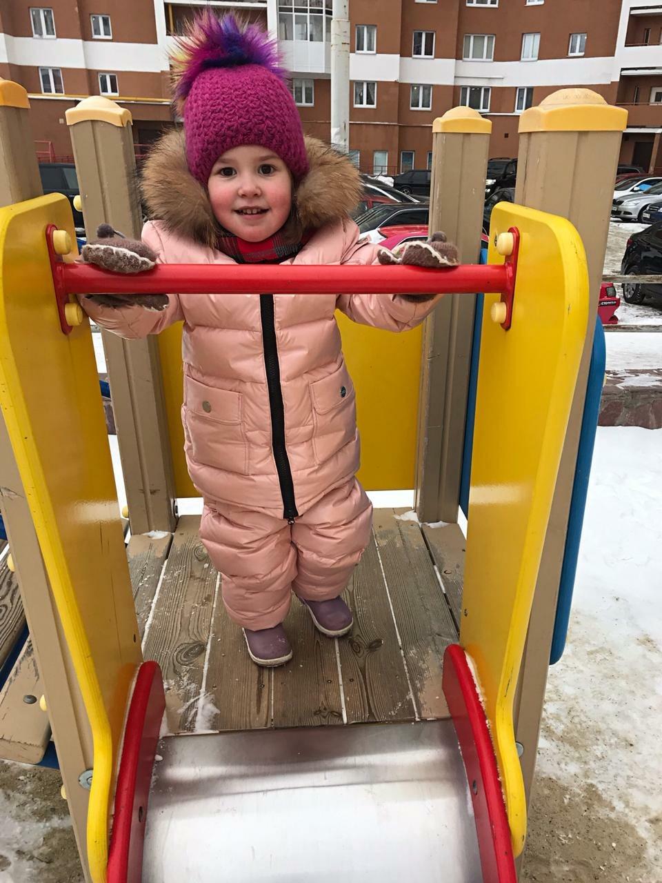 Девочка быстро полюбила жизнь в России, сейчас у нее здесь семья, друзья и любимые занятия