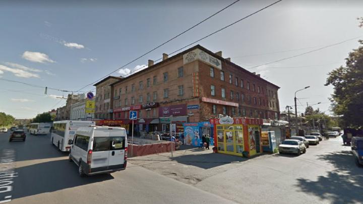 Омская мэрия выставила на торги половину дома рядом с ДК Баранова