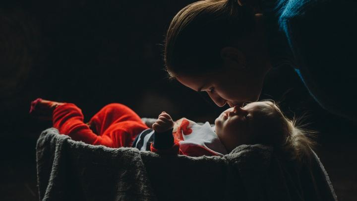 «Молодой маме нужна помощь»: честный рассказ об обратной стороне материнства