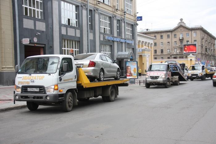 В день инспекторы ГИБДД составляют от 100 до 130 протоколов на нарушителей правил парковки