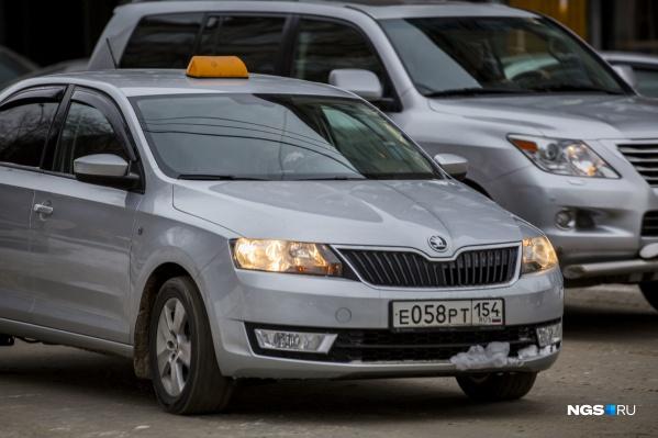 Недопонимания между таксистами и пассажирами, особенно из-за денег, нередко заканчиваются общественными скандалами и разборками в полиции