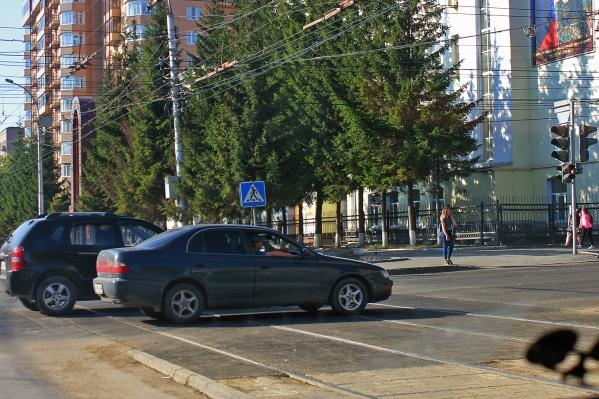 Теперь пересечь трамвайные пути на перекрёстке Фрунзе и Мичурина можно быстрее