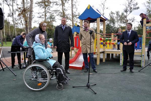 Инклюзивную детскую площадку открывали в торжественной обстановке