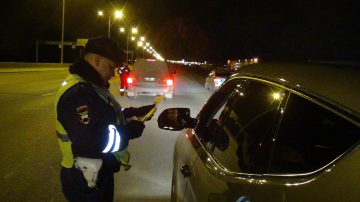 «Я выпил пол-литра пива»: гаишники устроили засады на окраинах Екатеринбурга, чтобы поймать пьяных