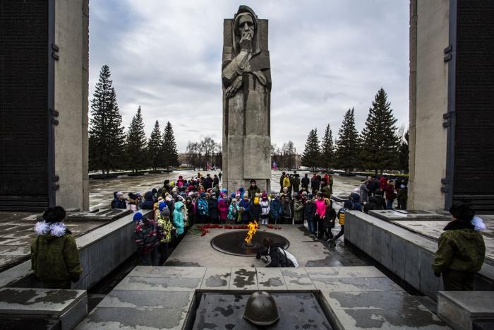 Монументу Славы исполнилось 50 лет