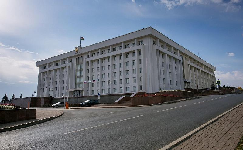 В Доме Республики прошла официальная встреча Рустэма Хамитова и Юрия Серышева