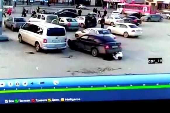 Водитель-новичок не сразу и заметил, что наехал на человека