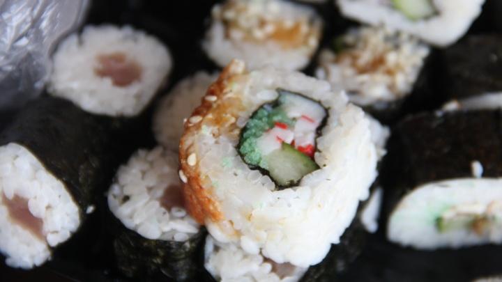 Пятеро новосибирцев поели суши и подхватили острую кишечную инфекцию