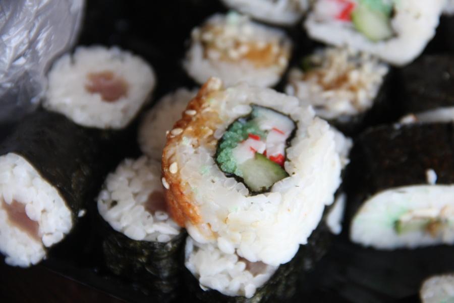 ВНовосибирске 5 человек заразились острой кишечной палочкой после покупки суши