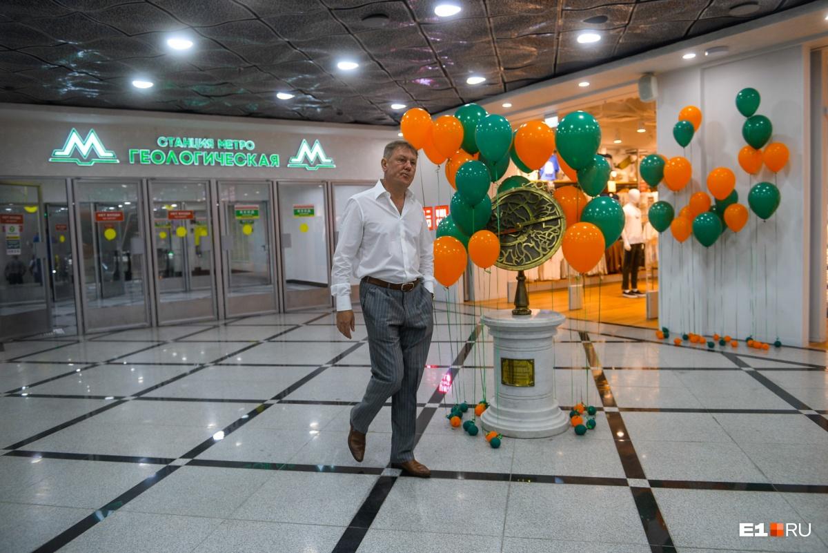 Игорь Заводовский просто взял и построил два выхода из метро в «Гринвич»