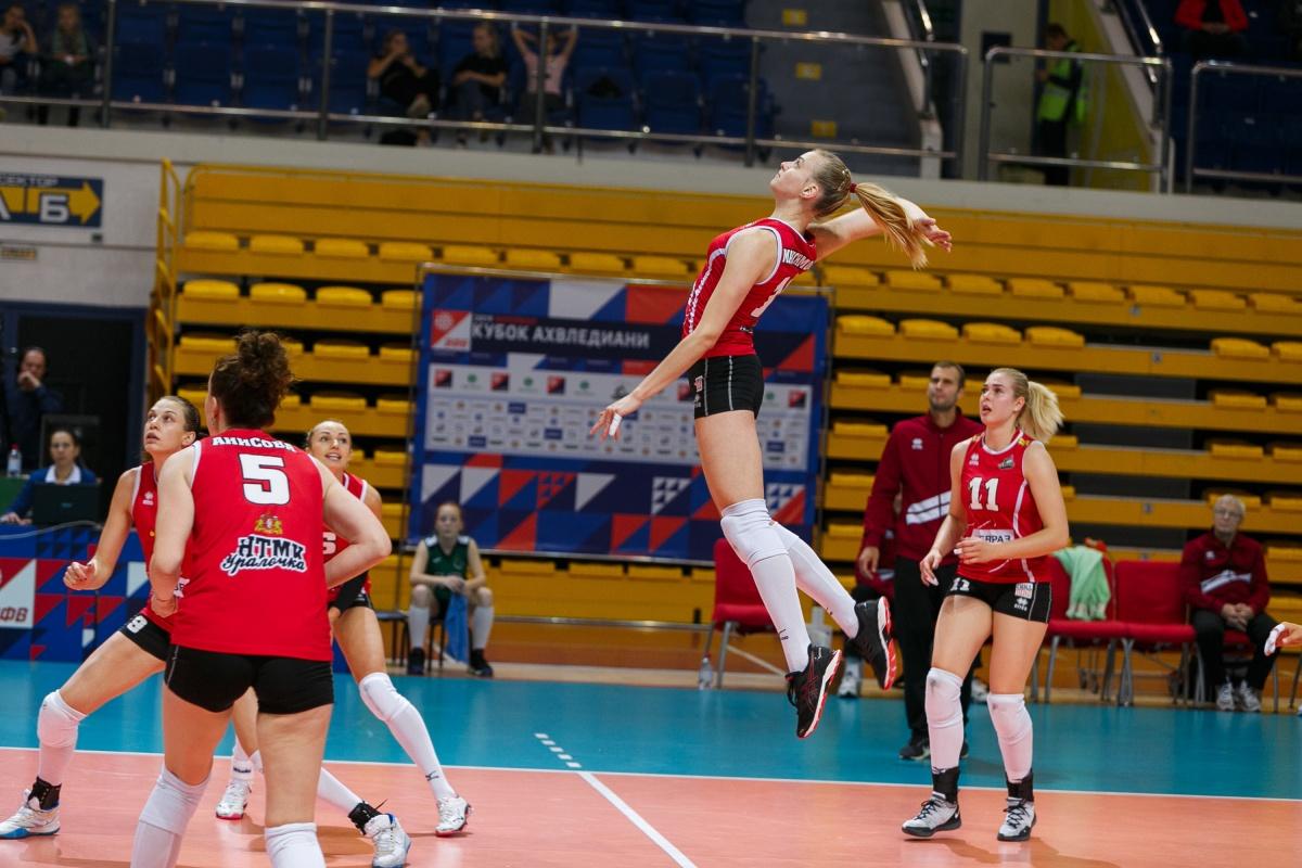Основная и молодежная команда «Уралочки» переиграли соперниц на Кубке России