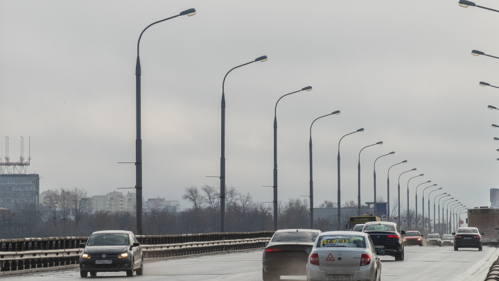 В Перми на ночь ограничат движение по Коммунальному мосту