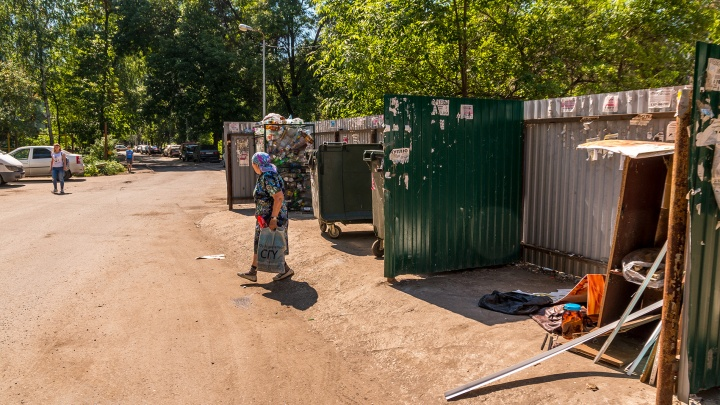 В самарских дворах установят мусорки с крышами