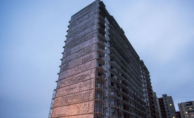 «Деньги тратили много на что»: прокуратура нашла нарушения при строительстве ЖК на Зорге