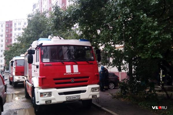 Приямок шахты лифта загорелся в доме по улице Рихарда Зорге