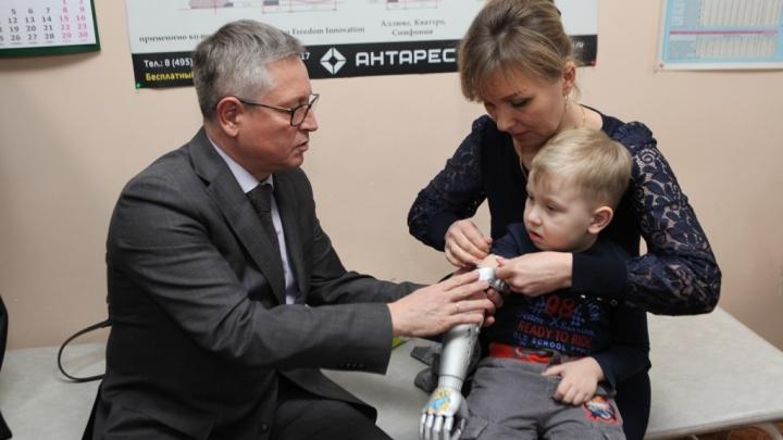 Для детей-инвалидов из Ярославской области привезут напечатанные в «Сколково» на 3D-принтере протезы